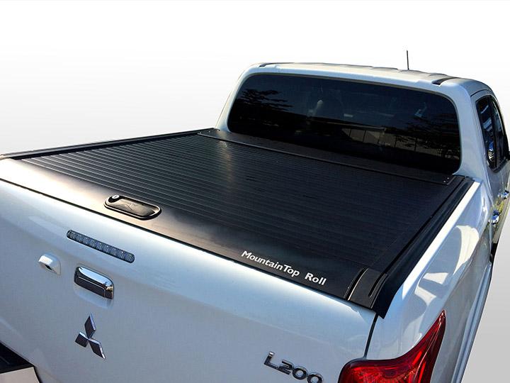 L200 Retractable Cover